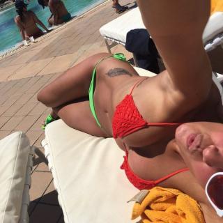 Ivana Nadal en Bikini [600x600] [83.96 kb]