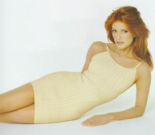 Angie Everhart [881x768] [83.08 kb]