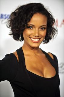 Selita Ebanks [1996x3000] [492.92 kb]
