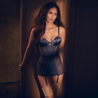 Megan Fox [2880x2880] [1208.25 kb]