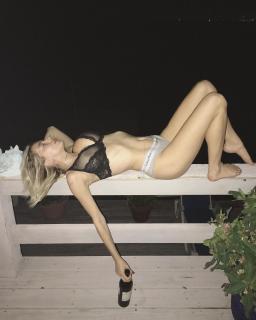 Caroline Vreeland Desnuda [1080x1350] [167.54 kb]