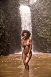 Ivi Pizzott in Playboy Nude [1826x2739] [1705.66 kb]