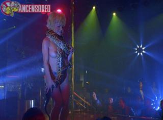Barbara Alyn Woods en Striptease Desnuda [800x589] [78.71 kb]