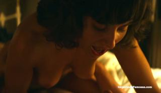 Alison Brie en Glow Desnuda [1280x738] [106.57 kb]