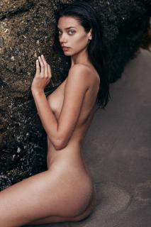Michelle Vawer Nude [934x1400] [338.78 kb]