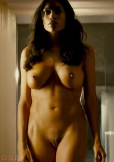 Rosario Dawson en Trance Desnuda [846x1200] [61.47 kb]