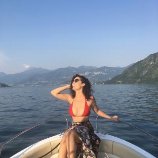 Pilar Santacruz en Bikini [1080x1080] [211.28 kb]