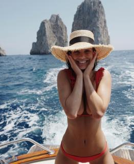 Camila Morrone [1080x1318] [188.73 kb]