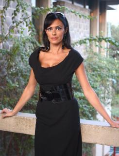 Maria Grazia Cucinotta [2299x3000] [830.38 kb]