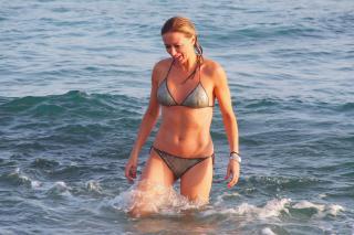 Susanna Griso en Bikini [4252x2835] [1681.42 kb]