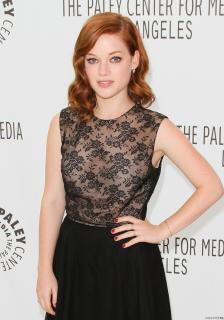 Jane Levy [740x1057] [168.88 kb]