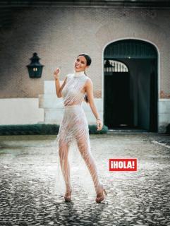 Cristina Pedroche en Hola [604x800] [132.68 kb]