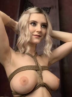 Nackt  Eva Elfie Eva Elfie