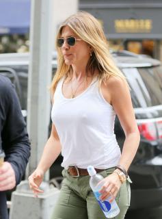 Jennifer Aniston [2222x3000] [513.39 kb]