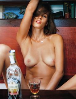 Johanne Landbo en Playboy Desnuda [1929x2500] [1491.17 kb]