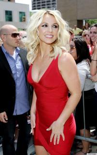 Britney Spears [570x906] [119.59 kb]