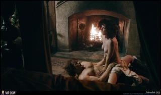 Caitriona Balfe en Outlander Desnuda [1931x1140] [400.37 kb]