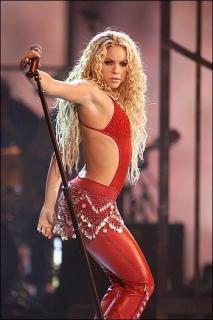 Shakira [350x525] [35.04 kb]