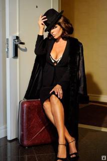 Lisa Rinna in Playboy [1068x1600] [129.79 kb]