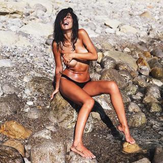Giulia De Lellis en Topless [1080x1080] [474.82 kb]
