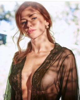 Renata Longaray en Playboy [1080x1349] [198.6 kb]