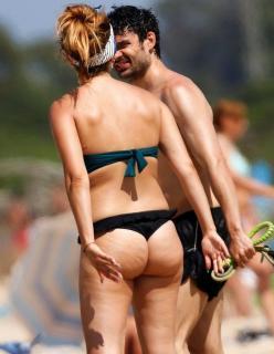 Blanca Suárez en Bikini [700x900] [109.94 kb]