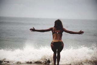 Halle Berry [1080x721] [67.36 kb]