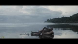 Adriana Ugarte en Palmeras En La Nieve Desnuda [1600x900] [94.01 kb]