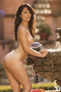 Raquel Pomplun en Playboy Desnuda [720x1080] [150.49 kb]