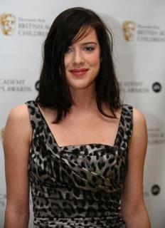 Michelle Ryan [364x500] [26.72 kb]