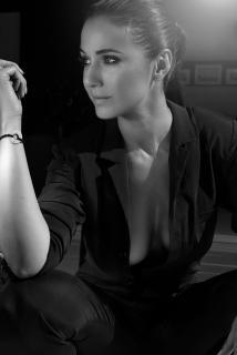 Emmanuelle Chriqui [960x1435] [152.04 kb]