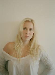Natasha Bedingfield [1600x2186] [390.68 kb]