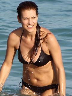 Kate Walsh en Bikini [900x1200] [117.04 kb]