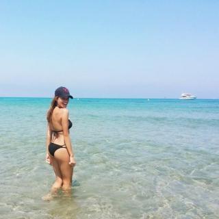 Mirian Pérez en Bikini [600x600] [58.27 kb]