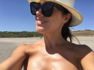 Eva Marciel en Bikini [1200x900] [167.5 kb]