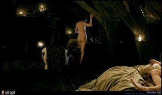 Caitriona Balfe en Outlander Desnuda [1940x1140] [272.25 kb]