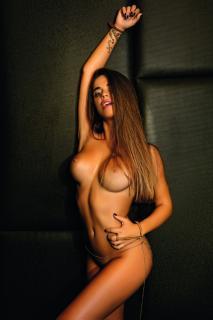 Violeta Mangriñan in Primera Linea Nude [1024x1536] [362.53 kb]