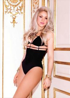 Shakira [731x1024] [130.1 kb]