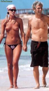 Francesca Piccinini en Topless [550x1014] [69.82 kb]