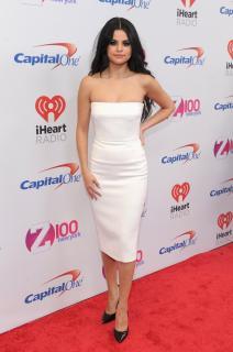Selena Gomez [1064x1600] [243.32 kb]