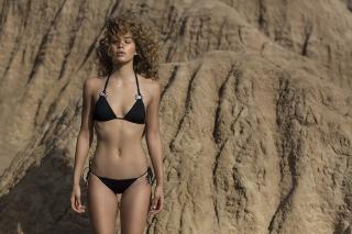 Jasmine Sanders en Bikini [900x600] [133.2 kb]
