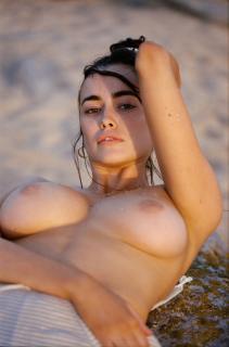 Sarah Stephens Nude [1050x1585] [203.45 kb]
