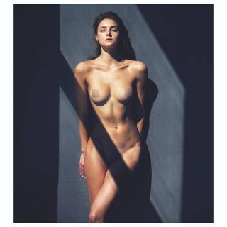Vika Levina en Nu Muses 2017 Desnuda [1080x1080] [78.55 kb]