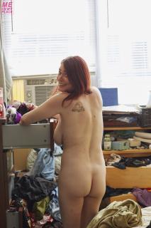 Lindsay Felton Desnuda [1280x1920] [359.01 kb]