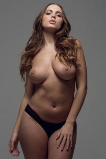 Sabine Jemeljanova en Page 3 Desnuda [1000x1500] [238.23 kb]