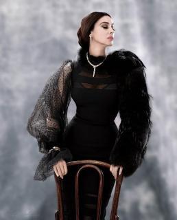 Monica Bellucci [900x1113] [153 kb]
