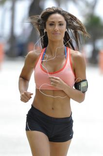 Katie Cleary [1996x3000] [368.91 kb]