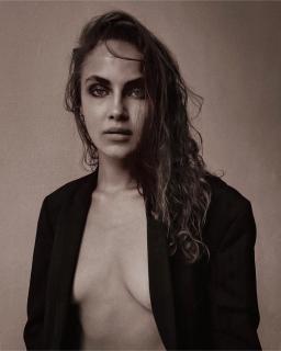Carriere nude elena Kalinka Fox