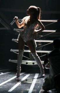 Ariana Grande [2004x3100] [423.3 kb]