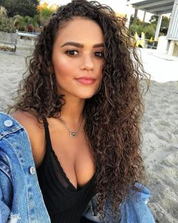 Madison Pettis [1280x1600] [590.27 kb]